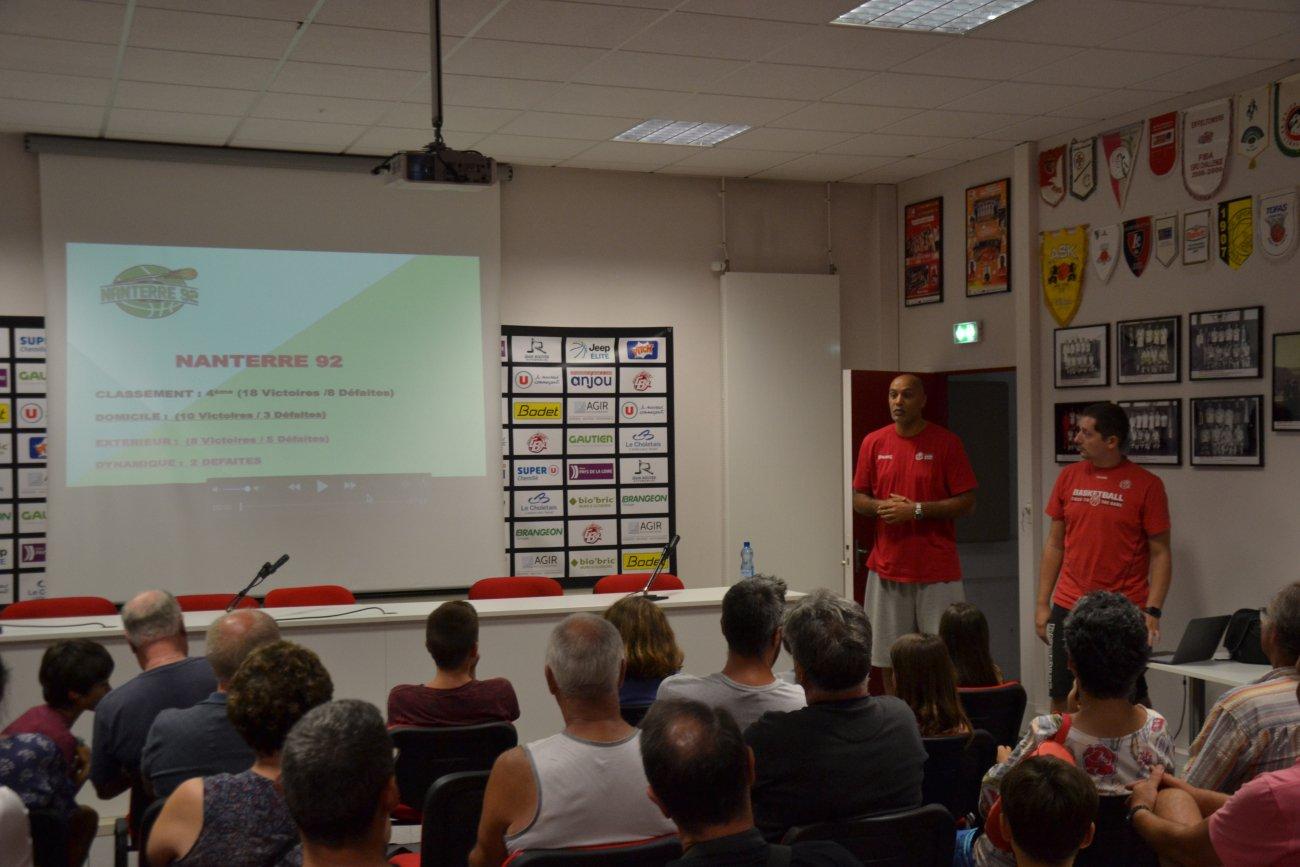 Intervention de Gaëtan Cherbonnier et Sylvain Delorme, les entraîneurs assistants de l'équipe professionnel