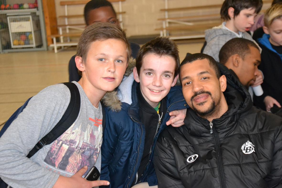 """La minute de basket"""" au collège Colbert de Cholet 23-01-2015"""""""