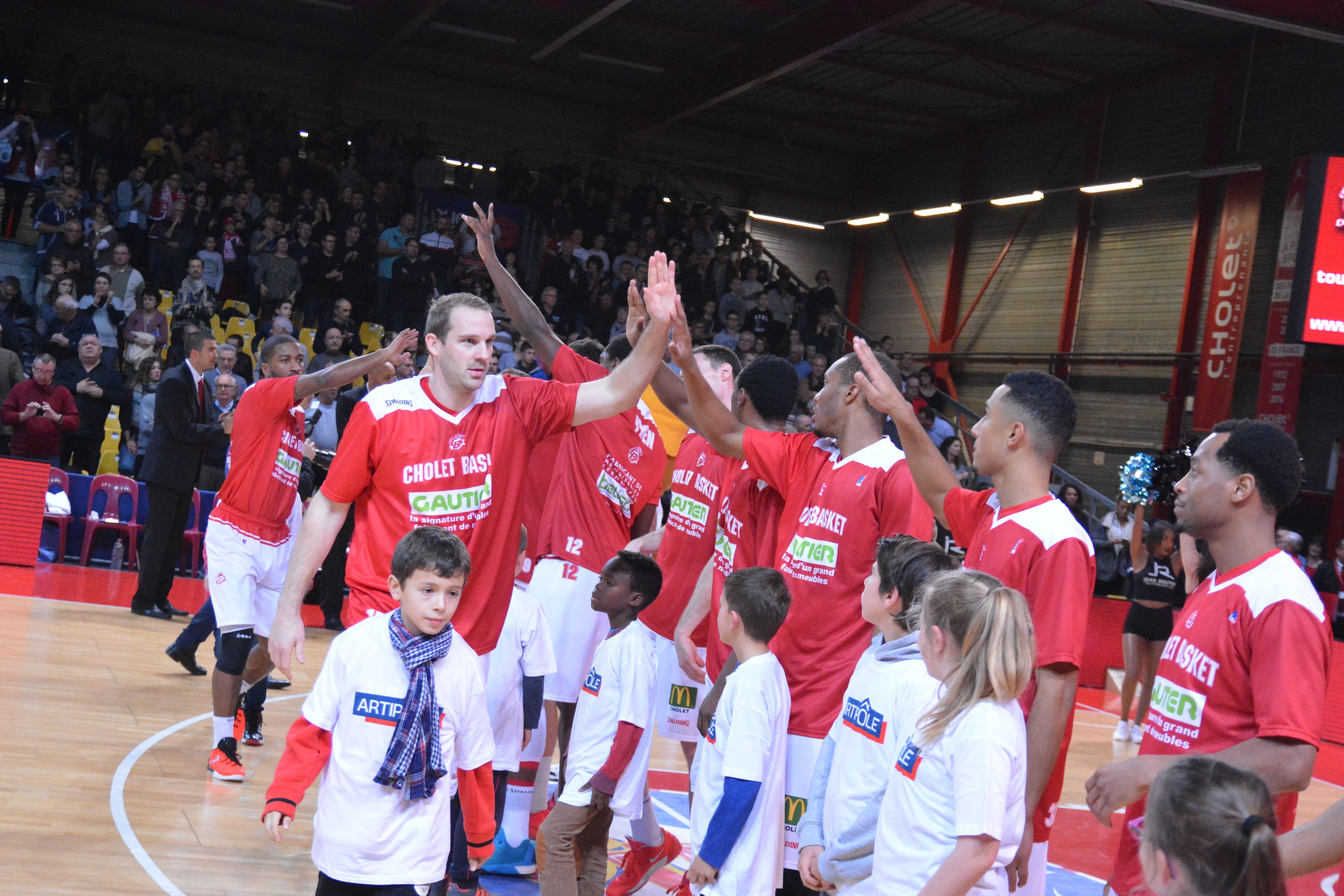 L'entrée des joueurs durant le match CB / STB Le Havre
